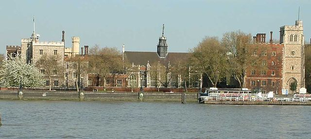 640px-Lambeth_Palace_London_240404