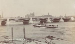 Vauxhall Bridge in 1907