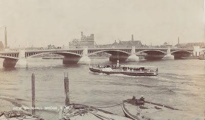 Vauxhall Bridge in 1907