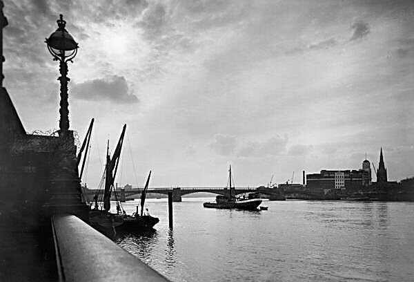 vauxhall bridge - Mr H Limes