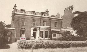 photo of western lodge, clapham common