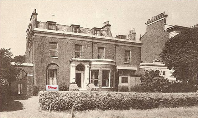 photo of western lodge, clapham common