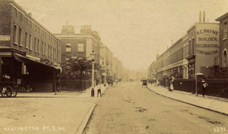 Hartington Rd SW8 in 1907. Most of the left side of the street was demolished as slums in the 1950s