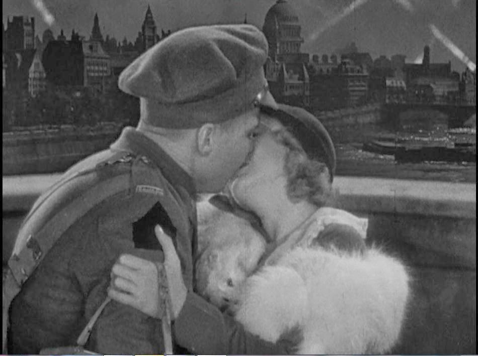 Mae Clark and Kent Douglass in Waterloo Bridge, 1931